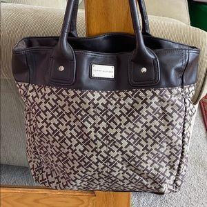 💕Tommy Hilfiger brown creme large satchel purse💕